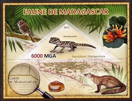 Madagascar 2013 Fauna - Ocelot Gecko imperf sheetlet containing one triangular value unmounted mint
