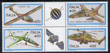 Italy 1983 Aircraft 3rd series se-tenant block of 6 (4 stamps plus 2 labels) unmounted mint SG 1792a