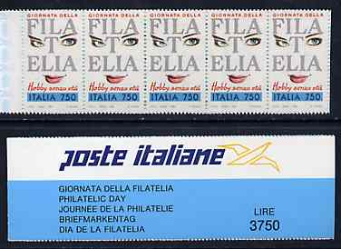 Booklet - Italy 1992 Stamp Day 3,750L Self-adhesive booklet complete and pristine, SG SB8