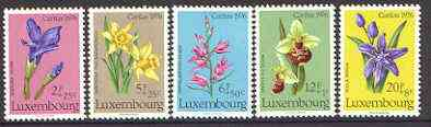 Luxembourg 1976 National Welfare Fund, Protected Plants (2nd Series) set of 5 unmounted mint SG 976-980