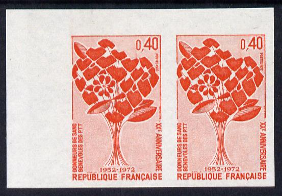 France 1972 20th Anniversary of Post Office Employees Blood Donors Association marginal horiz pair unmounted mint Yv 1716