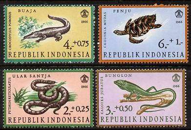Indonesia 1966 Reptiles set of 4 unmounted mint (SG 1136-9)*