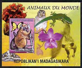 Madagascar 1999 Animals of the World #09 perf m/sheet showing Lemur #3, background shows Owl, Butterfly, Lizard & Orchid, unmounted mint