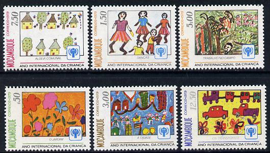 Mozambique 1979 Int Year of the Child (Paintings) set of 6 unmounted mint SG 754-59*
