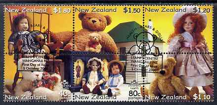 New Zealand 2000 Health - Teddy Bears & Dolls perf se-tenant block of 6 fine used, SG 2360-65
