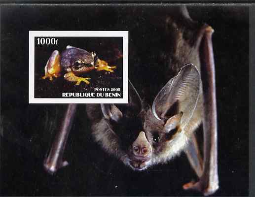 Benin 2005 Frogs #2 perf s/sheet (with Bat as background) unmounted mint