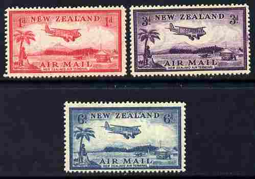 New Zealand 1935 Air set of 3 lightly mounted mint SG 570-72