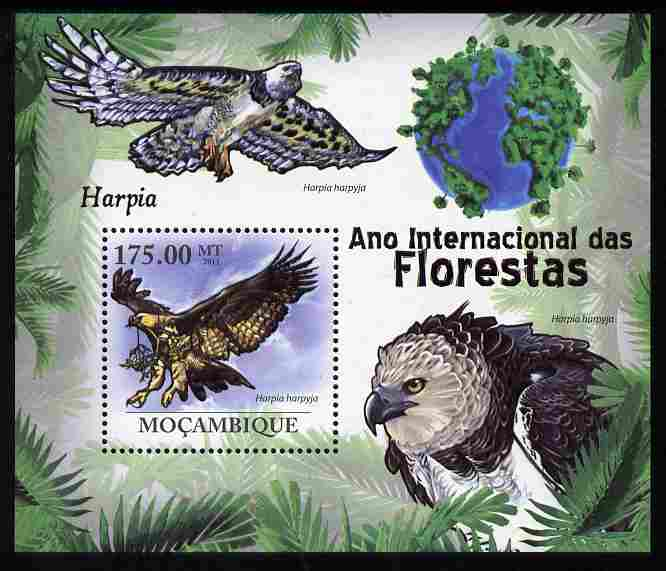 Mozambique 2011 International Year of Forests - Harpy Eagle perf s/sheet unmounted mint